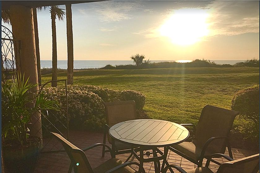 photo from a dog-friendly VRBO at Amelia Island